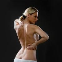 Пышная грудь вызывает боли