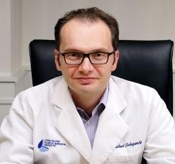 Пластический хирург Майкл Добрянский