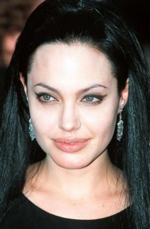 Анджелина в 2000
