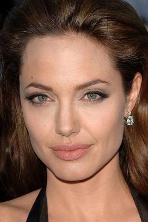Анджелина в 2005