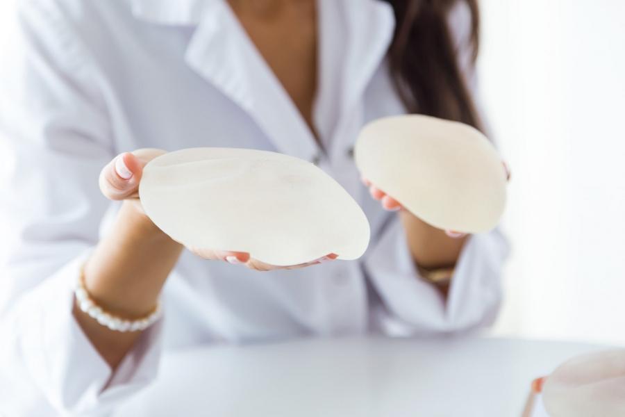 отторжение импланта после увеличения груди